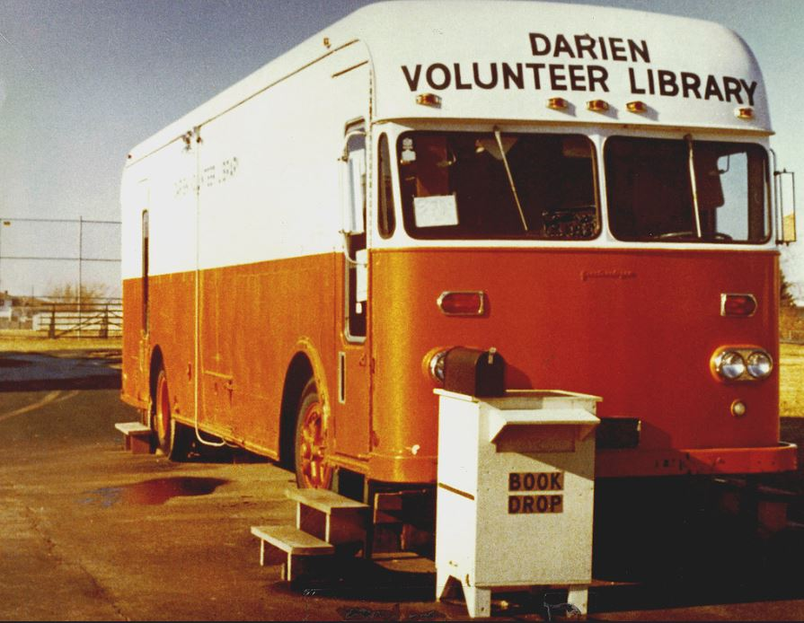 Picture of the Darien Volunteer Library book mobile